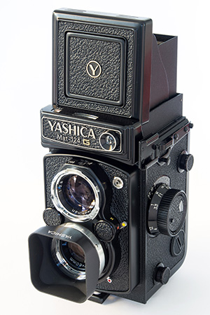 YASHICA BAY 30 PLASTIC LENS CAP FOR TWIN LENS REFLEX CAMERA